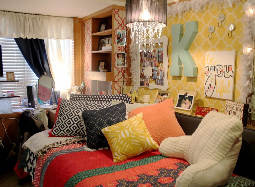 Tips for storing your dorm room with ease